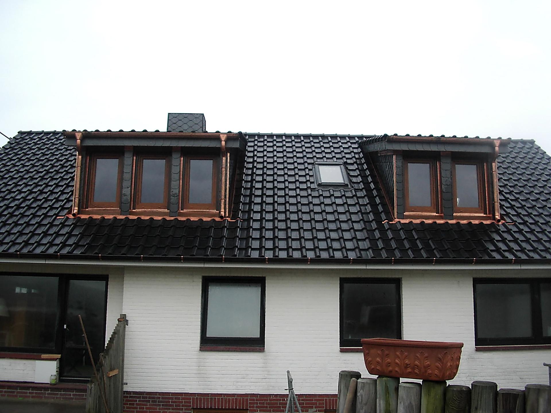 was kostet eine dachgaube interesting ein typisches fr das mgliche beschrieben und kalkuliert. Black Bedroom Furniture Sets. Home Design Ideas